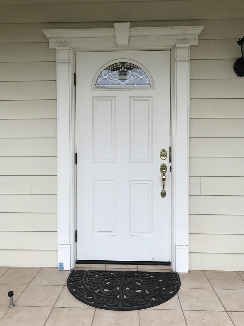おしゃれな白いドア