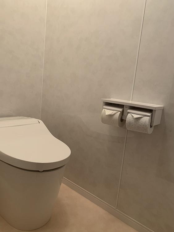 シンプルなトイレのリフォーム