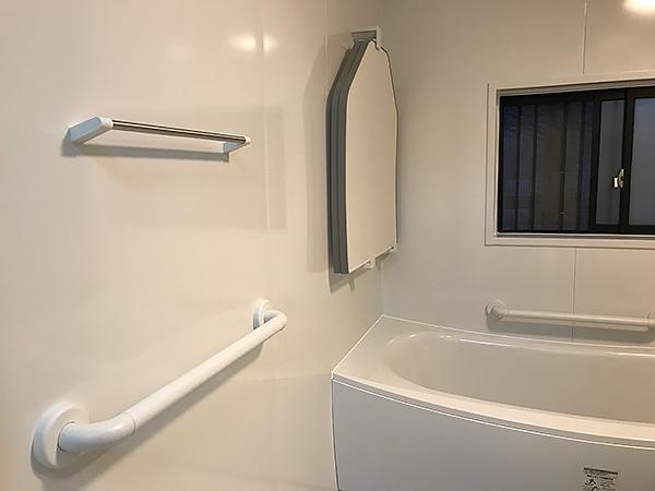 クレイドル浴槽