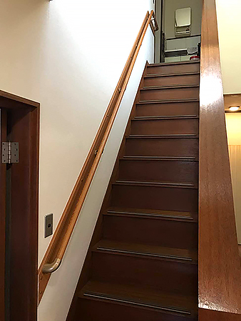 千葉県成田市 階段リフォーム 不安のあった階段へ手すりの設置で安心して昇降可能に
