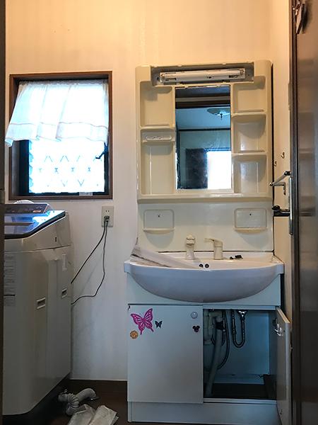 茨城県牛久市 浴室リフォーム|漏水で痛んだ洗面台の交換と床をリフォーム