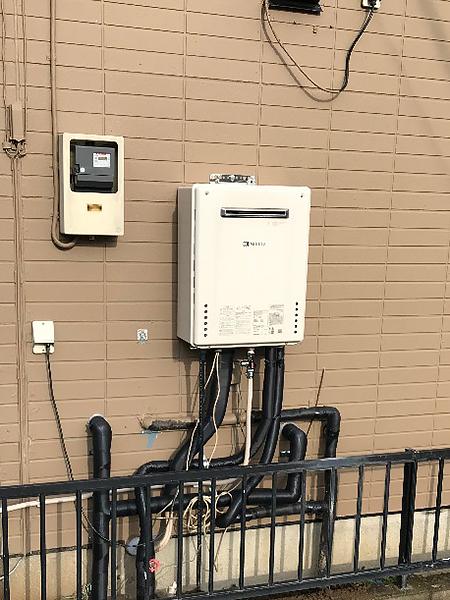 千葉県成田市 給湯器交換|漏水していた据え置き給湯器を壁掛けに変更