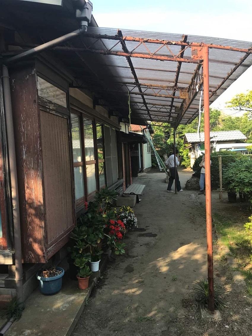 千葉県旭市 庇リフォーム|穴が開き洗濯物が干せない庇(ひさし)を改修して安心