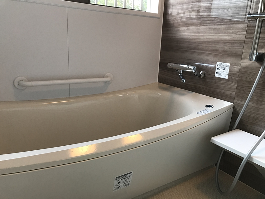 茨城県鹿嶋市バスリフォーム|タイルのお風呂が寒い…温かい浴室に!