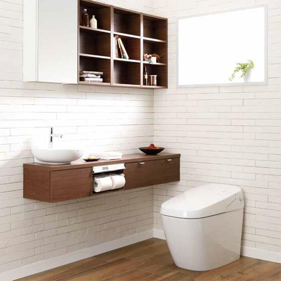 白と茶色のトイレ