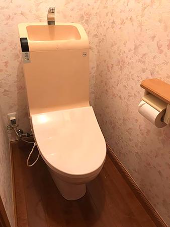 茨城県潮来市トイレリフォーム|自動開閉付きのトイレに変更して快適に