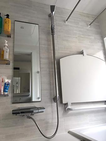 千葉県富里市 浴室リフォーム 滑りにくい床や手すりの設置で安全面を向上