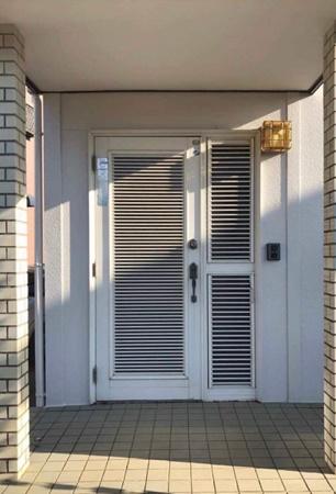 千葉県八街市 玄関リフォーム|動線に合わせ勝手を変更1デイリフォーム