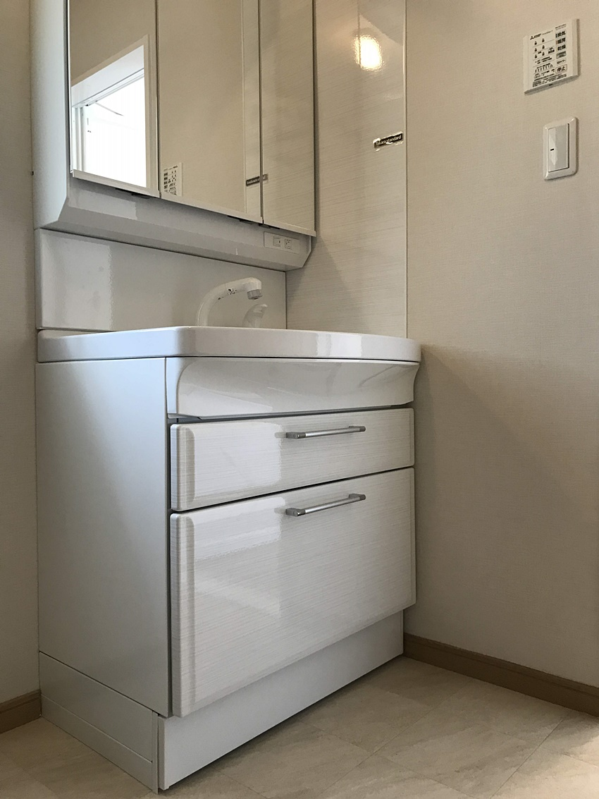 タイルのような洗面台
