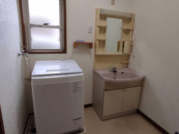 茨城県神栖市洗面所リフォーム 洗面化粧台と床の張り替え