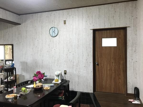 茨城県龍ヶ崎市内装リフォーム クロス上貼りで明るく